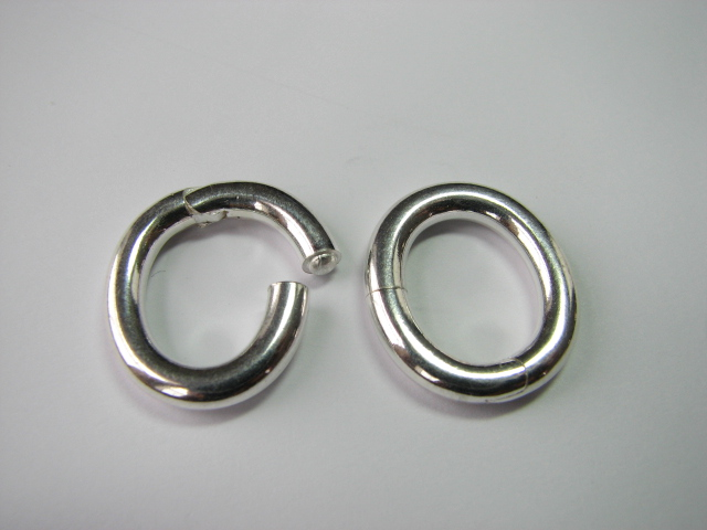 17 S. S. Oval Circle Clasp 16 x 20 mm OD