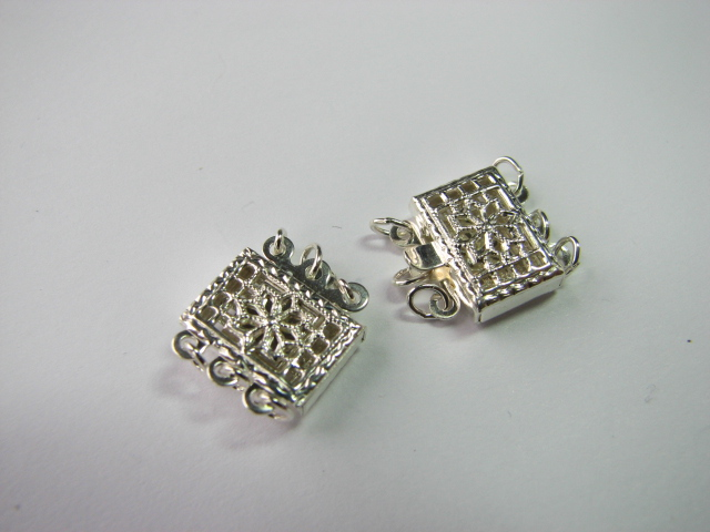 12 S. S. 3 Link Filigree Clasp Square